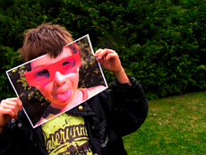 Das zweite Gesicht. Foto: Jutta Rotter / pixelio.de