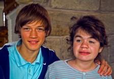Moritz mit 14 Jahren und seine Schwester Luca (Quelle: ZDF)